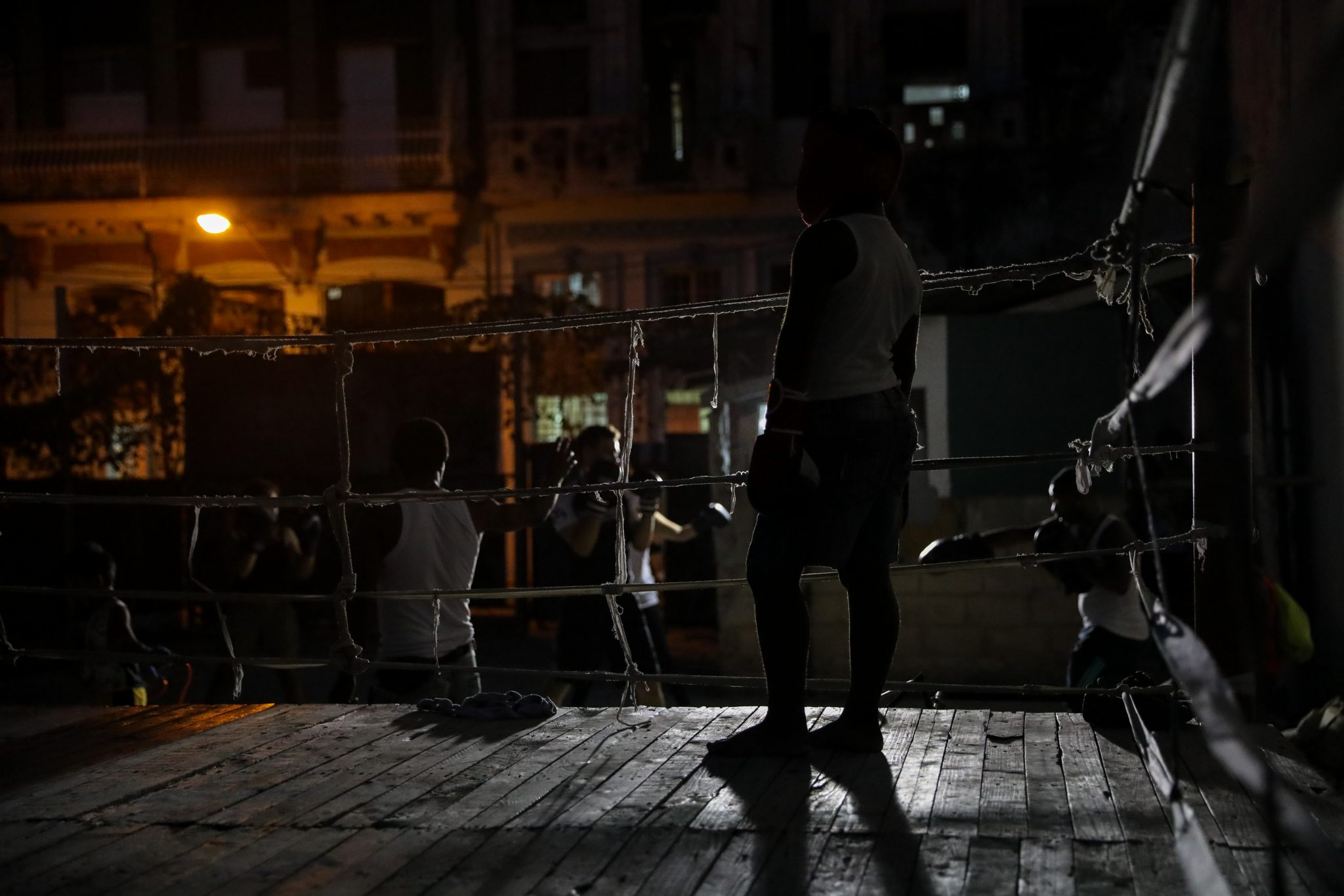Boxing in Central Havana. Luke Galati Photography in Cuba