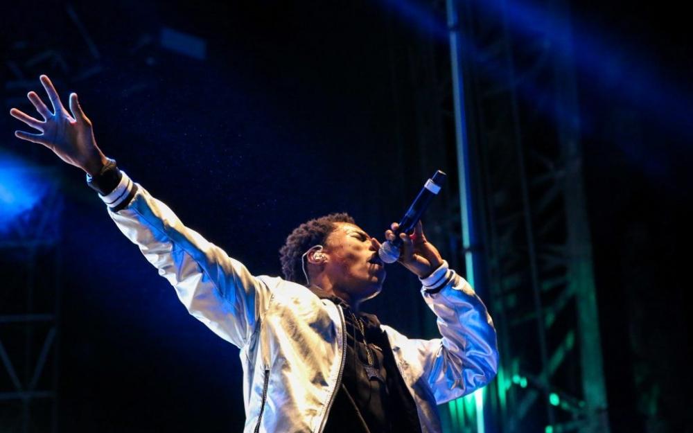 Brampton artist, Roy Woods, performs at a concert in Toronto. Photo taken by Luke Galati.
